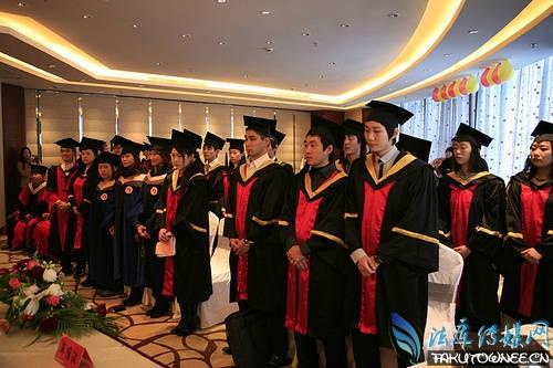 为何中国留学生不回国?出国留学要花多少钱?