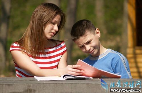 家长陪孩子读书的收获,孩子的学习成绩到底重不重要?