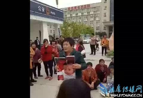 河南民警鸣枪制止医闹,医闹现在犯法吗?