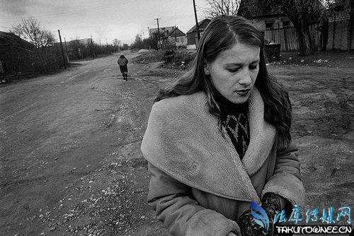 苏联解体后一美元就可以玩女人,苏联解体后国民的悲惨命运