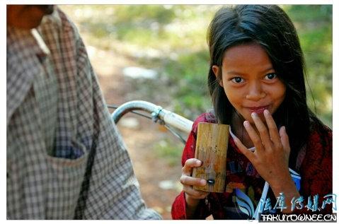 柬埔寨童妓是如何给客人服务的