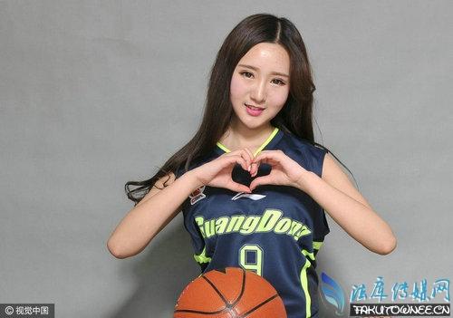 广东篮球宝贝穿阿联战袍甜美出镜,篮球宝贝们是怎样的一个群体?