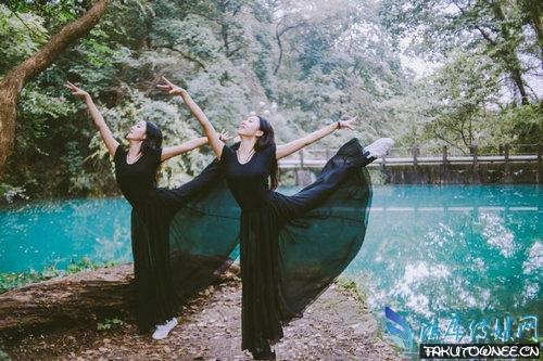 浙大学霸双胞胎艺体美女清新美图,女孩怎样做才能培养出好气质?