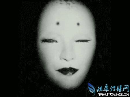 照片中竟然出现了恐怖女幽灵,为什么人们都害怕幽灵、鬼魂?