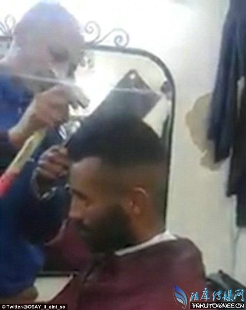 超牛剃头匠用菜刀剃头,盘点各种各样的奇葩理发师