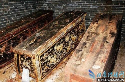 为什么棺材北边不能站人?棺材一般都用的什么木头?