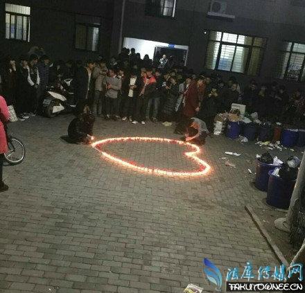 郑州高校男生蜡烛表白被领导无情扑灭,为什么男生表白只会点蜡烛?