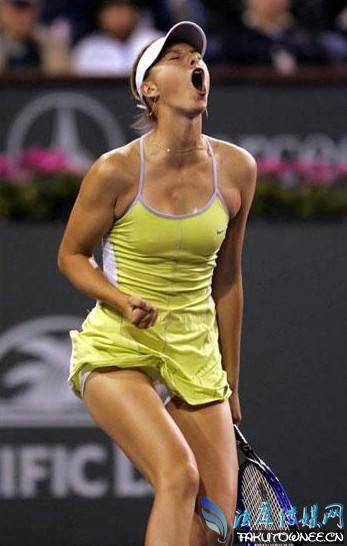 莎拉波娃尴尬凸点照片,国外网球女运动员为什么不戴胸罩?