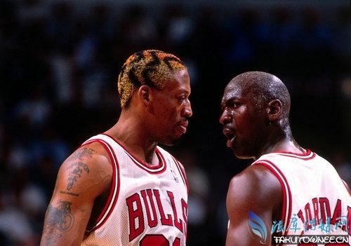 罗德曼和乔丹打架互殴是怎么回事?罗德曼的抢篮板球能力有多强?