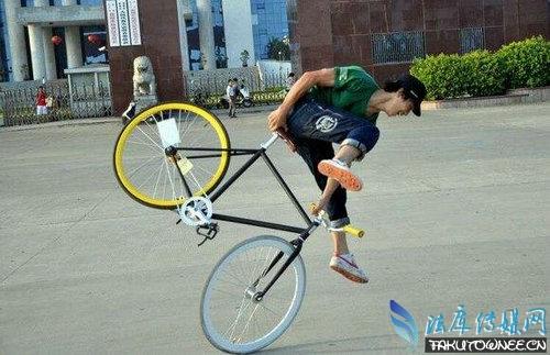 什么是死飞自行车?能骑死飞自行车爬山吗?