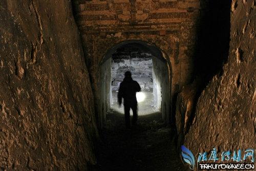 盗墓人是怎么知道哪里有古墓?盗墓贼的祖师爷是谁?