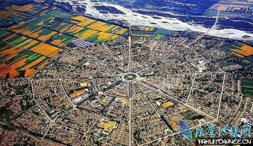 中国没有红绿灯的城市是哪里?马路上的红绿灯是谁发明的?