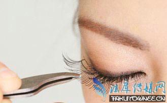 假睫毛能天天贴吗?假睫毛眼头处总是开怎么办?