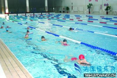 游泳馆的浅水区有多深?如何防止在浅水区中溺水?