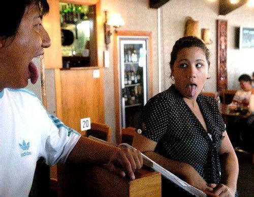 毛利人吐舌头代表什么?毛利人为什么都有纹身?