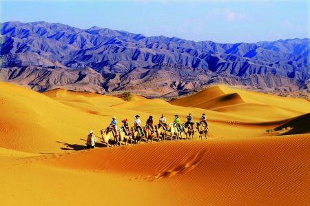 国内沙漠旅游景点推荐,沙漠旅游一般需要准备什么?