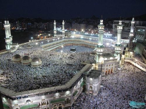 世界上最大的清真寺是在哪里?清真寺是干什么的地方?