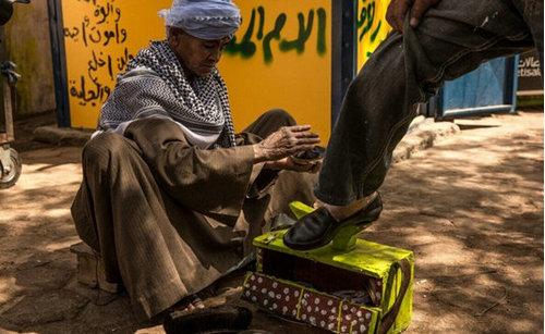 埃及女子为工作隐瞒性别43年,埃及女子社会地位很差吗?