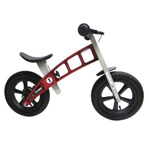 儿童滑步车和自行车有什么不同?适合多大的孩子玩?