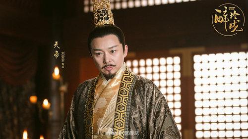 醉玲珑皇帝为什么要设局害自己的儿子?陈伟霆饰演的元凌的真实身份是什么?