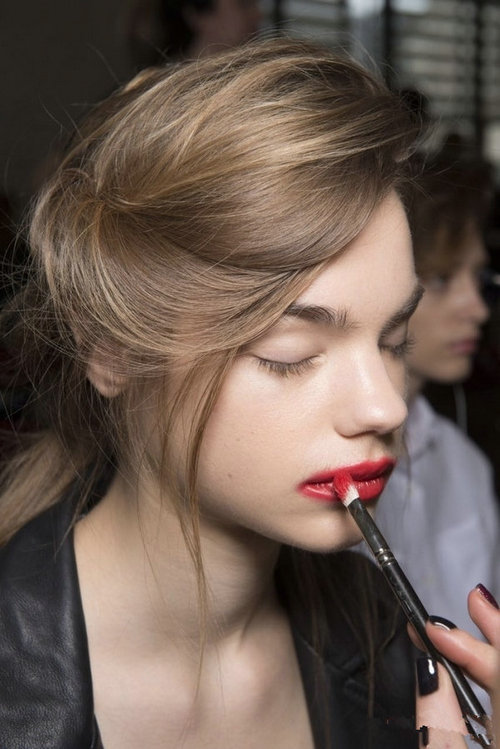 今年最流行的吻唇妆什么样儿?吻唇妆适合哪些人?
