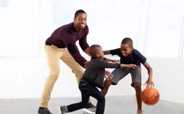 韦德的儿子也在打篮球吗?韦德二世篮球技术怎么样?