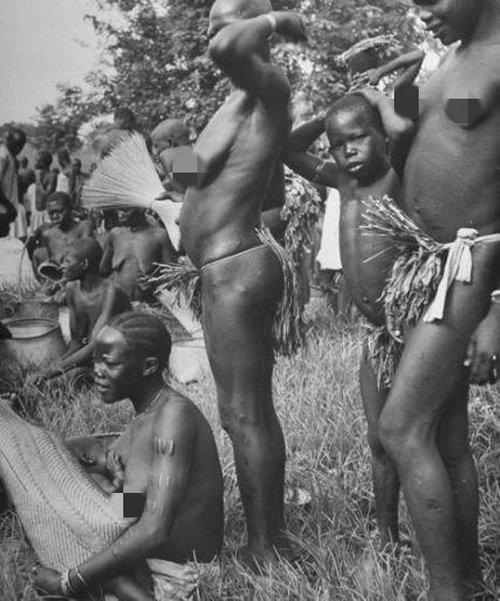 非洲乌干达女人开放到不穿衣服,非洲地区为什么会那么穷?