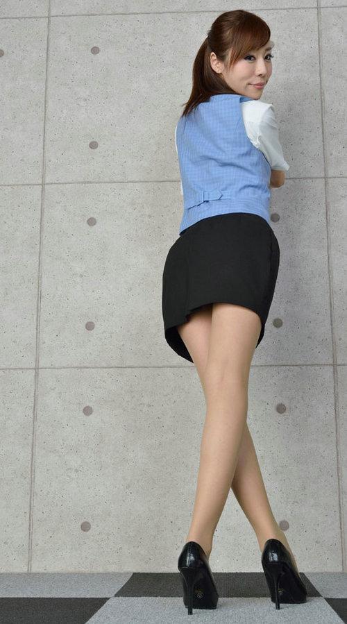 少年强则少女扶墙是指的什么意思?深蹲真的能让少年强提高性能力吗?