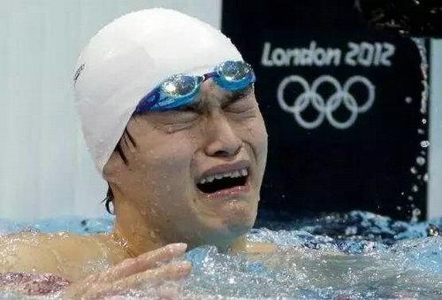 孙杨为什么老是哭?孙杨的第一块金牌是在哪时候获得的?