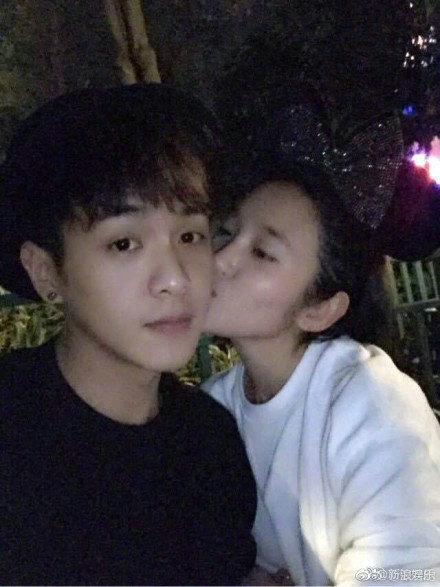 张若昀唐艺昕六年恋情首公开,明星一般会选择什么时间公开恋情?