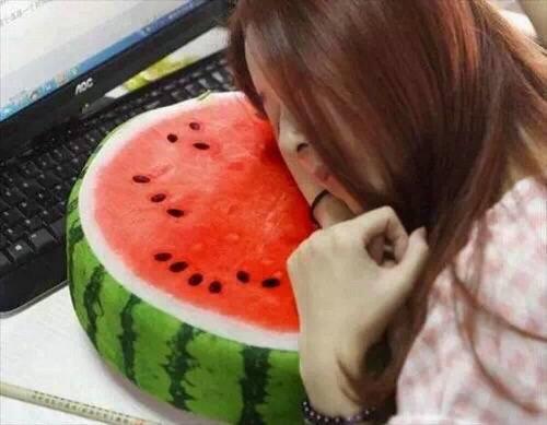 日本不仅西瓜贵所有水果都不便宜的原因是什么?日本农民的收入竟比公务员还高!