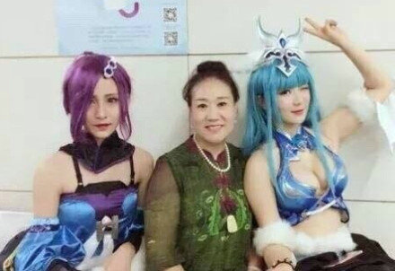 地铁上被骂的cosplay女孩是谁?cosplay女孩被骂事件真相