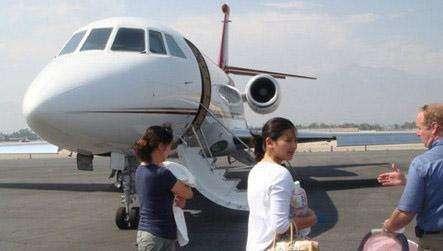 中国有私人飞机的富豪有多少?养一架私人飞机要花多少钱?