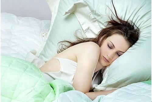 睡觉时身体突然抖一下的原因是什么?深度睡眠和浅度睡眠的区别是什么?