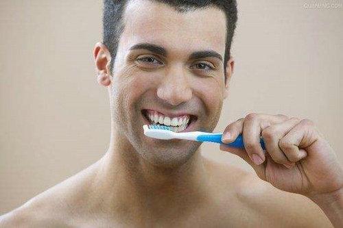 刷牙是从哪时候发明出来的?古代人是怎么刷牙的?