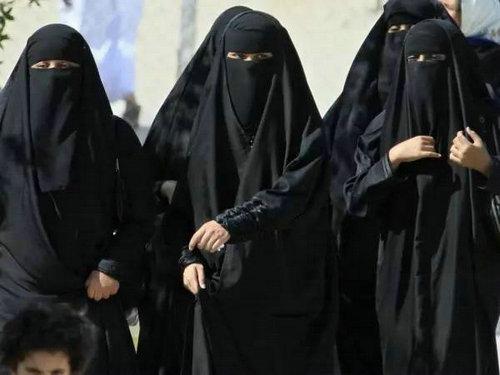 阿拉伯女人能穿裙子吗?阿拉伯女人着装为什么要蒙面?