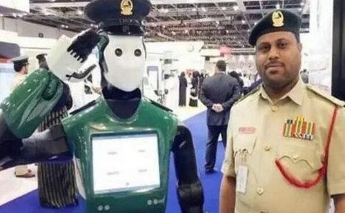 迪拜首批机器人警察正式上岗,为什么感觉迪拜那么的有钱?