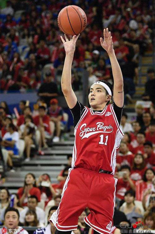 吴亦凡2017超级企鹅篮球名人赛中篮球水平怎么样?吴亦凡为什么这么喜欢打篮球?