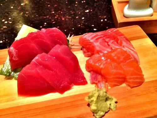 金枪鱼为什么卖的那么贵?金枪鱼和三文鱼哪个更好吃?