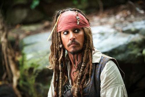 杰克船长为什么那么娘?杰克船长走路姿势为什么晃来晃去?