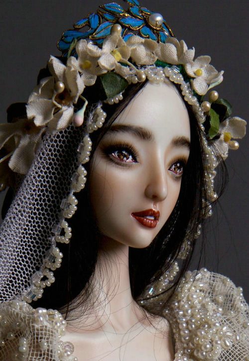 李晨为范冰冰定制的娃娃价值多少钱?帮李晨定制娃娃的人是谁?