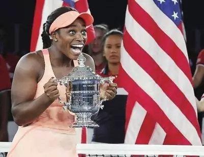 网球运动员斯蒂芬斯年龄多大了?斯蒂芬斯拿冠军赚了多少钱?