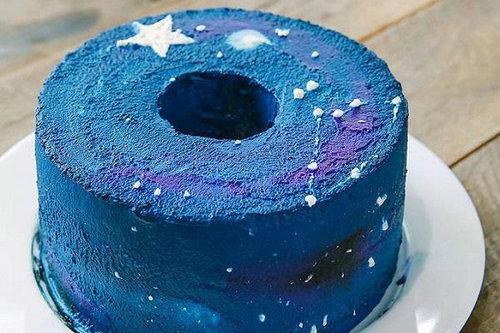 火爆网络的星空蛋糕好吃吗?星空蛋糕多少钱一个?