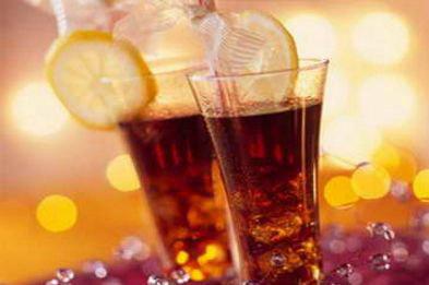 碳酸饮料为什么会有泡?碳酸饮料越喝越渴的原因是什么?