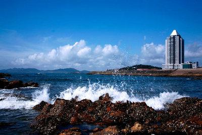 青岛十月一期间海水凉不凉?可不可以下海游泳?