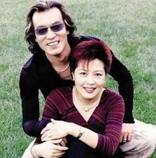 李咏和哈文结婚多少年了?李咏和哈文是同学认识的吗?