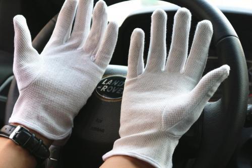 司机开车为要带白手套 司机开车带手套有什么用吗
