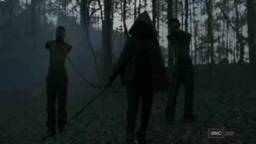 行尸走肉刀女去哪里了 行尸走肉刀女最开始为什么带着两个行尸