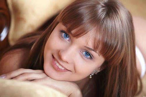 外国人眼睛为什么是蓝色的 眼睛颜色跟什么有关系