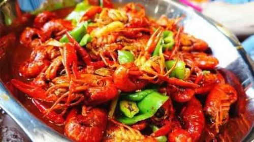 小龙虾和龙虾之间有关系吗 它们是同一个物种吗